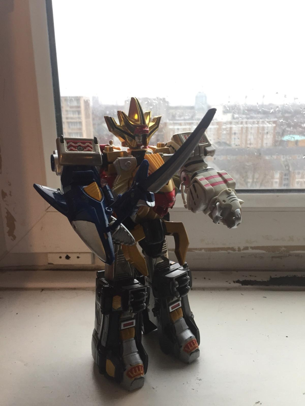 Deluxe Power Rangers Wild Force Megazord in SW6 London for £22 00