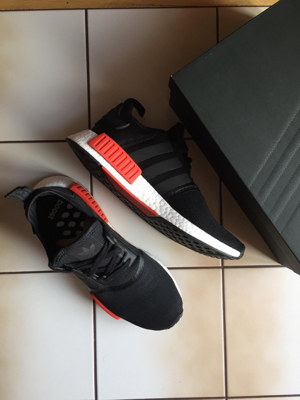 92e1fa368af5a Adidas nmd R1 Schuhe 42 2 3 in 4872 for €50.00 for sale - Shpock