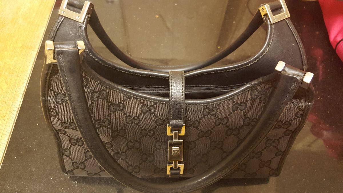 f43a86157fd242 GUCCI BAG & MATCHING PURSE-no timewasters in B43 Walsall for £85.00 ...