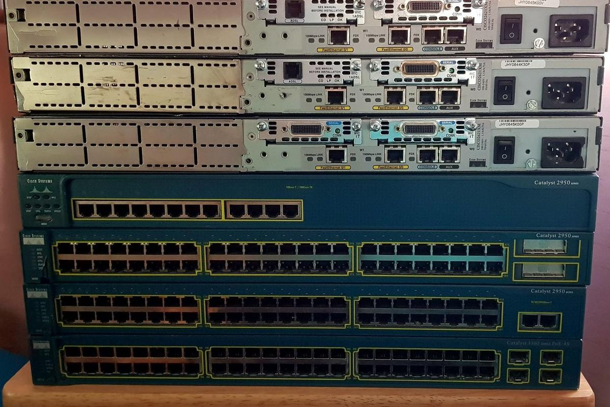 Cisco CCNA/CCNP lab - 3560/2950/2621 in HA9 Brent for £120 00 for