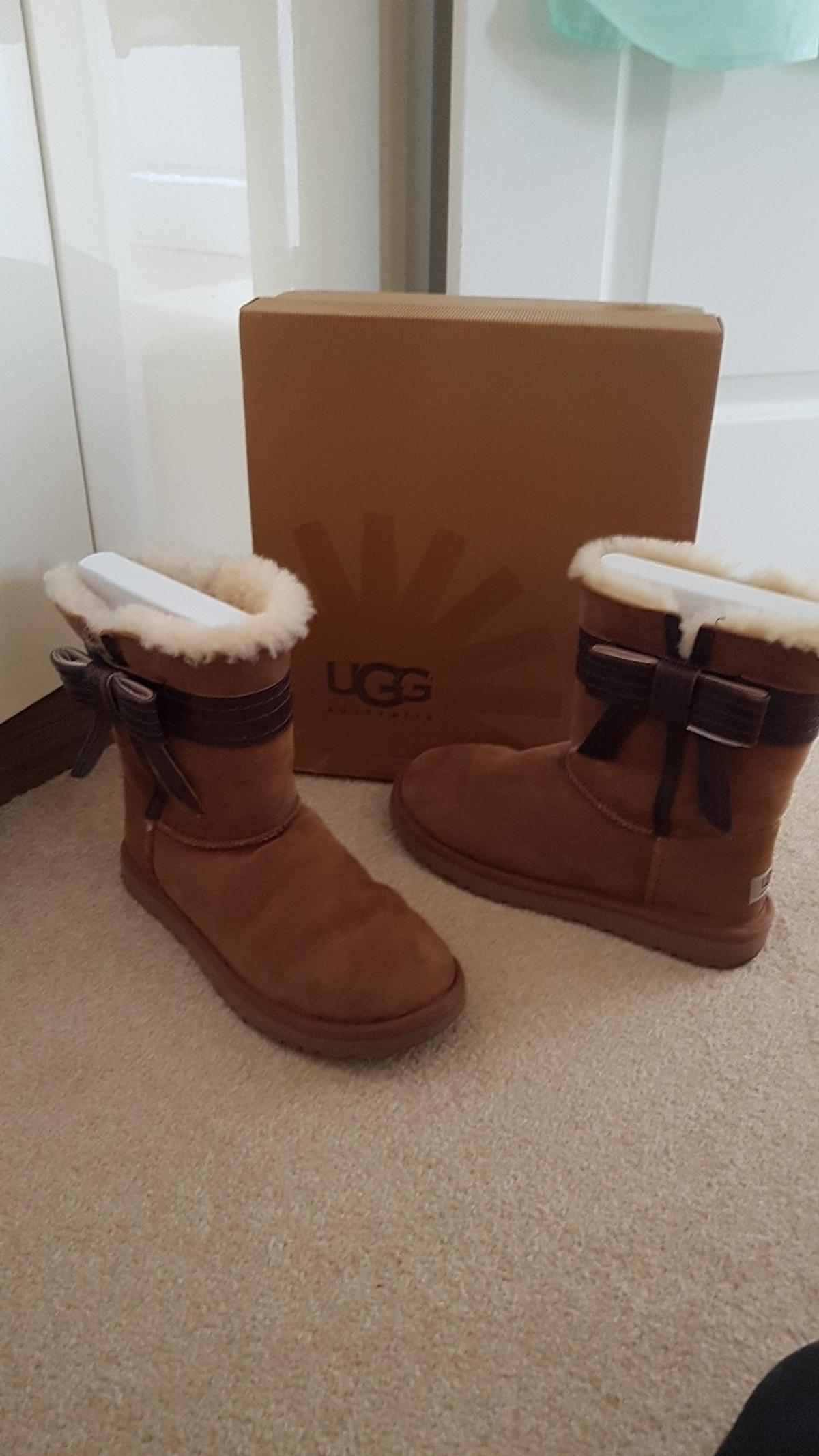 d3784eba395 GENUINE womens bow ugg boots in Shifnal for £55.00 for sale - Shpock