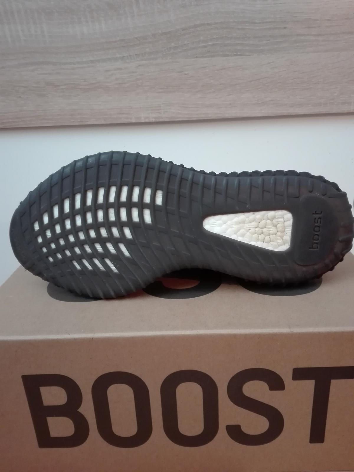 cheapest on sale premium selection Adidas Yeezy Boost 350 v2 Oreo Gr. 43 1/3 in 4560 Kirchdorf ...