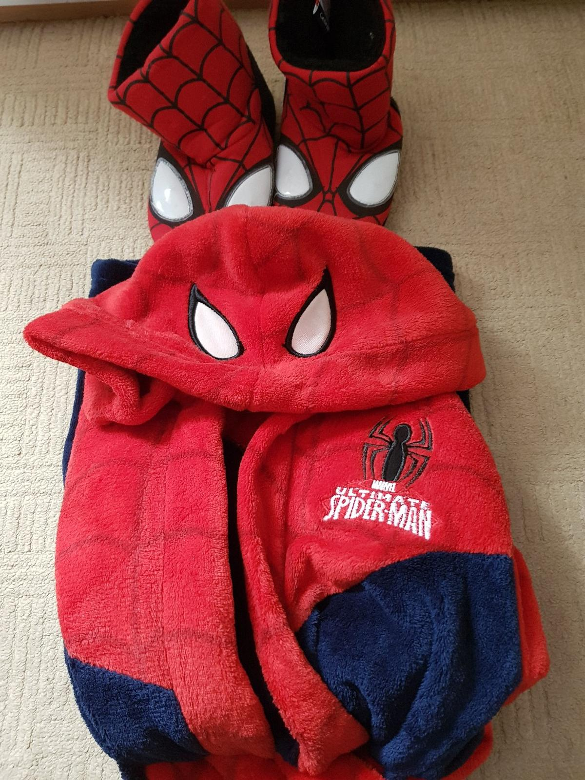 388dde403ef66 Spiderman robe and slippers age 4/5/6