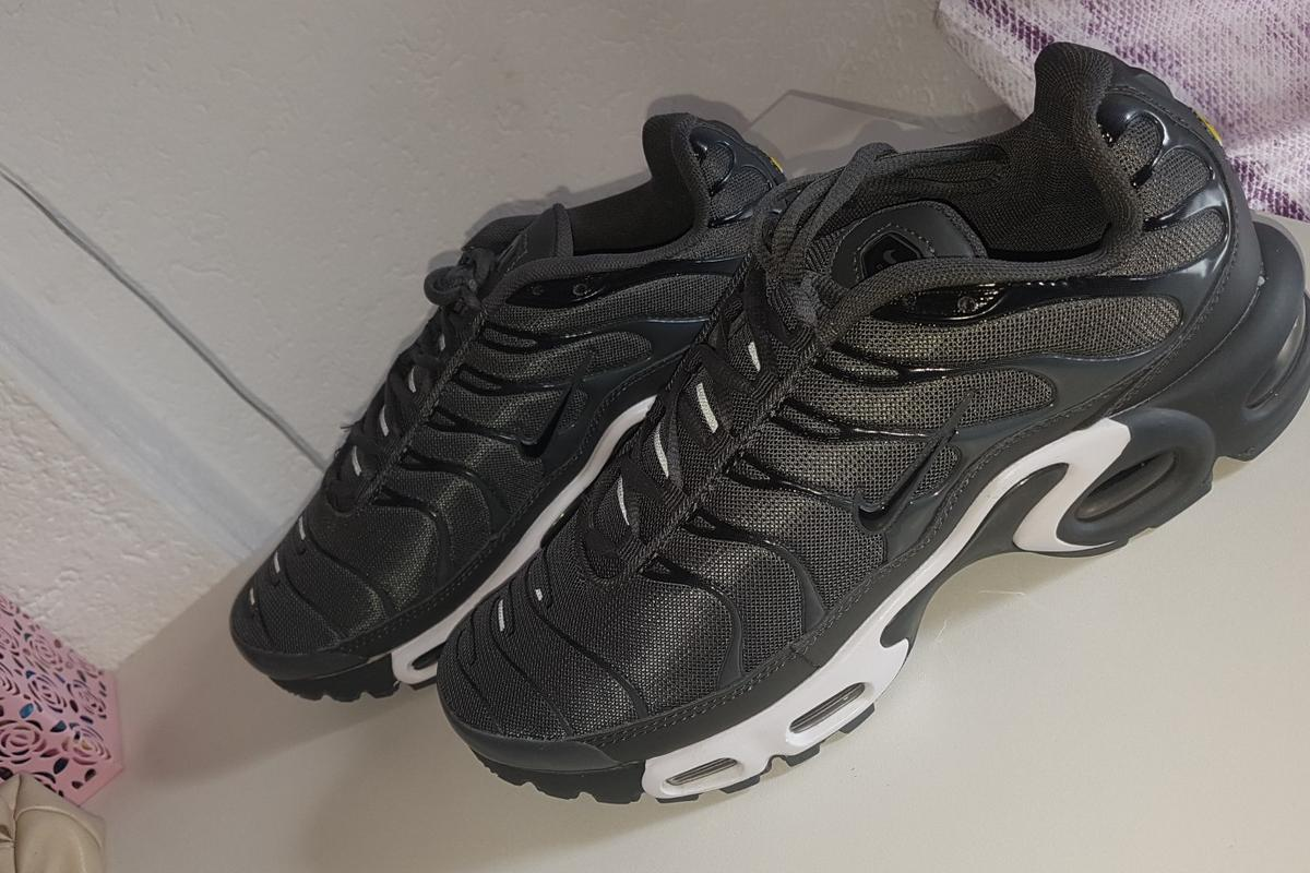 Nike Air Max Plus Tn Grau Weiss Gr.43