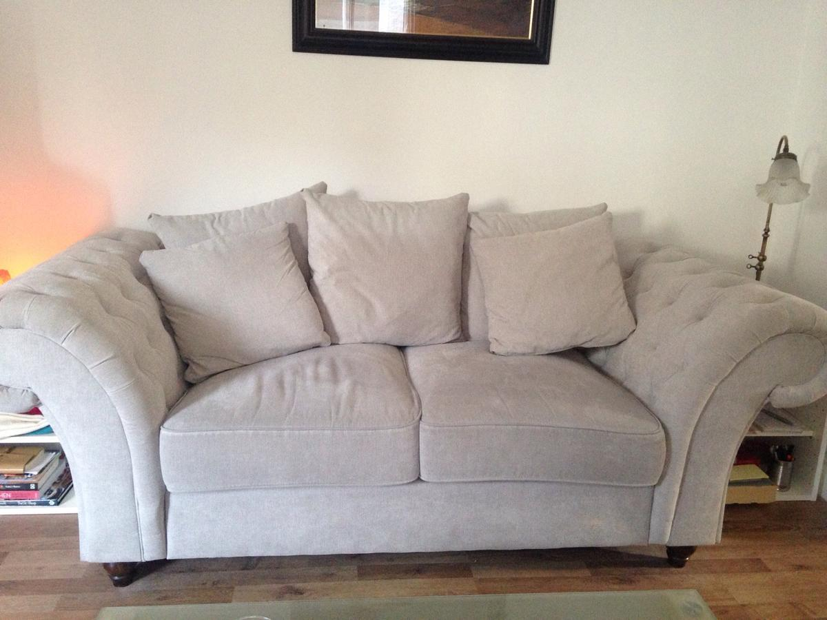 Shabby Chic Sofa In W6 Fulham For 200