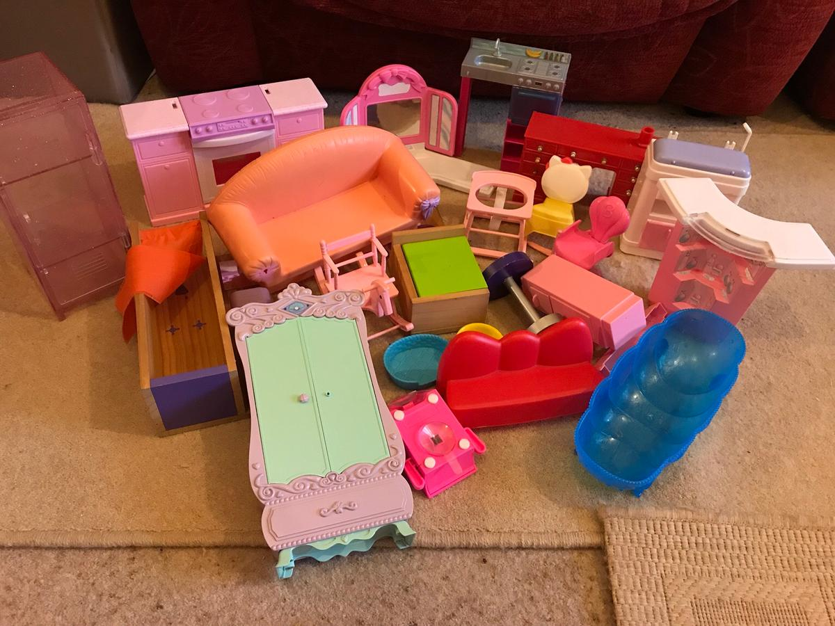 Barbie Doll House Furniture Some 90s In Eastleigh For 10 00 For Sale Shpock
