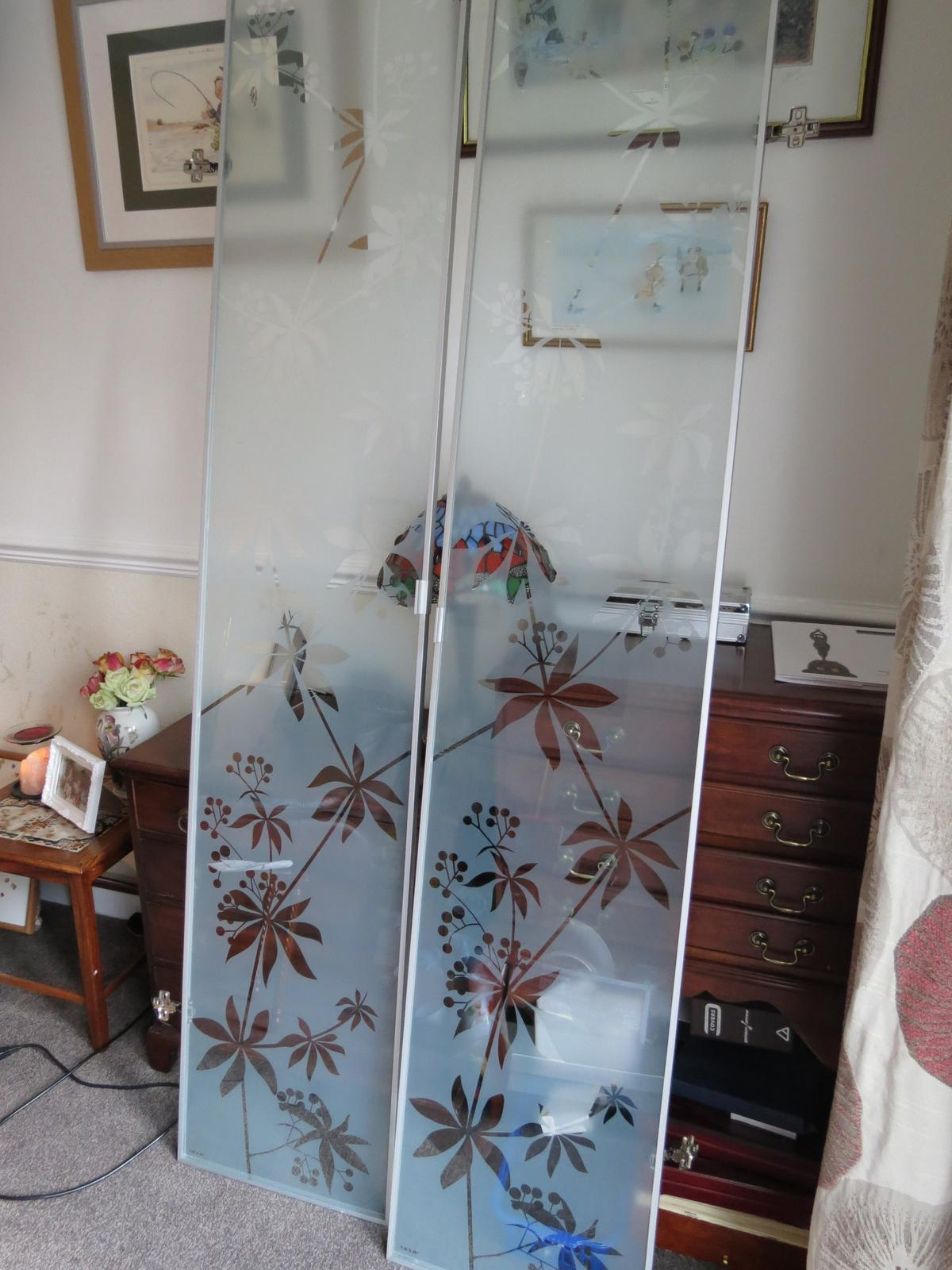 Ikea Billy Bookcase Floral Glass Doors In B64 Sandwell For 25 00 For Sale Shpock