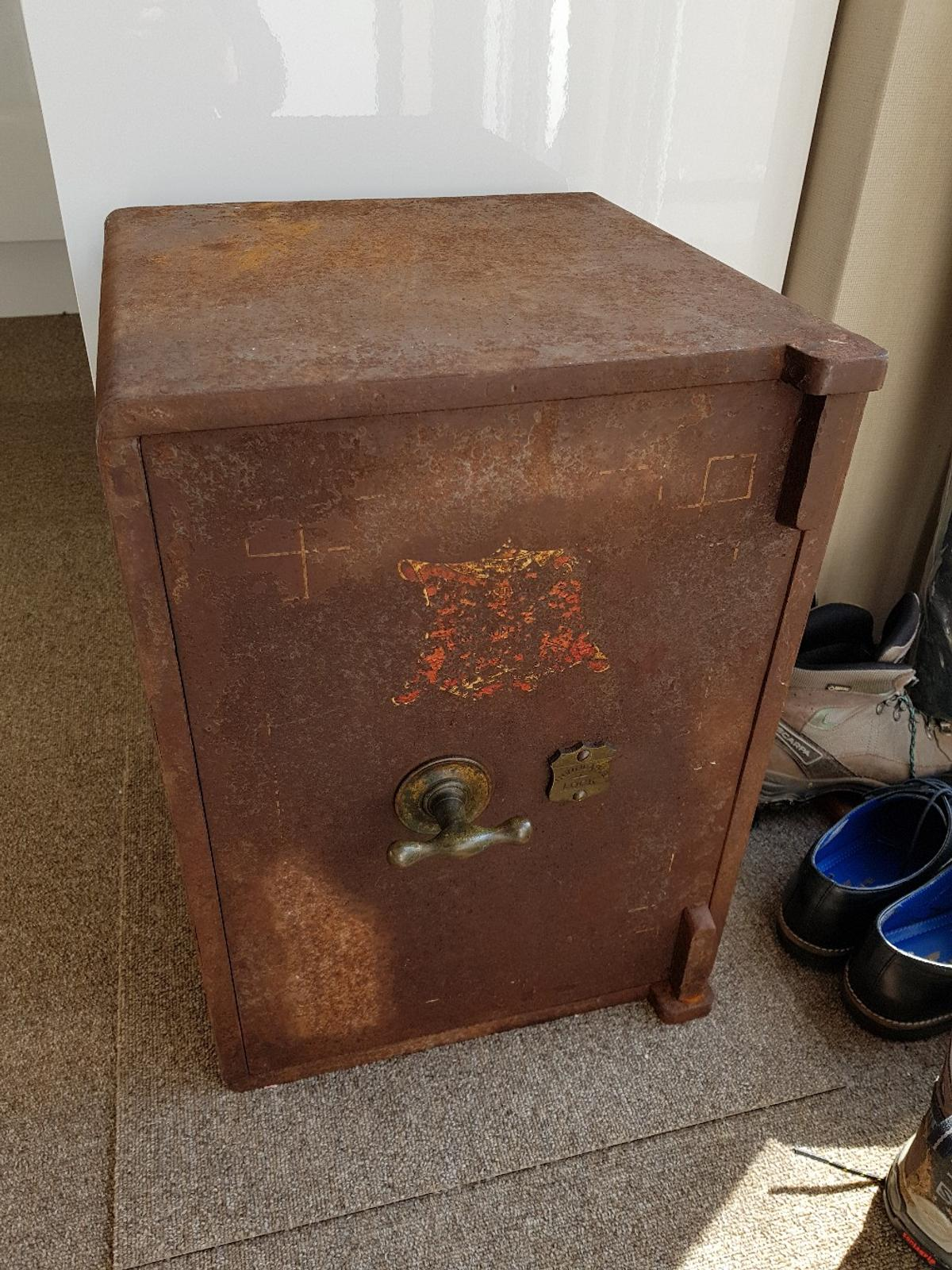 Old safe in BS21 Clevedon for £40 00 for sale - Shpock