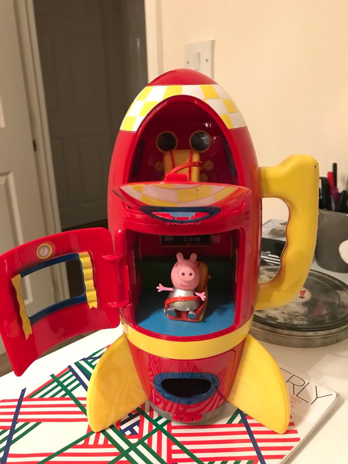 Peppa Pig rocket with sound Effects in CF82 Hengoed for £5 00 for