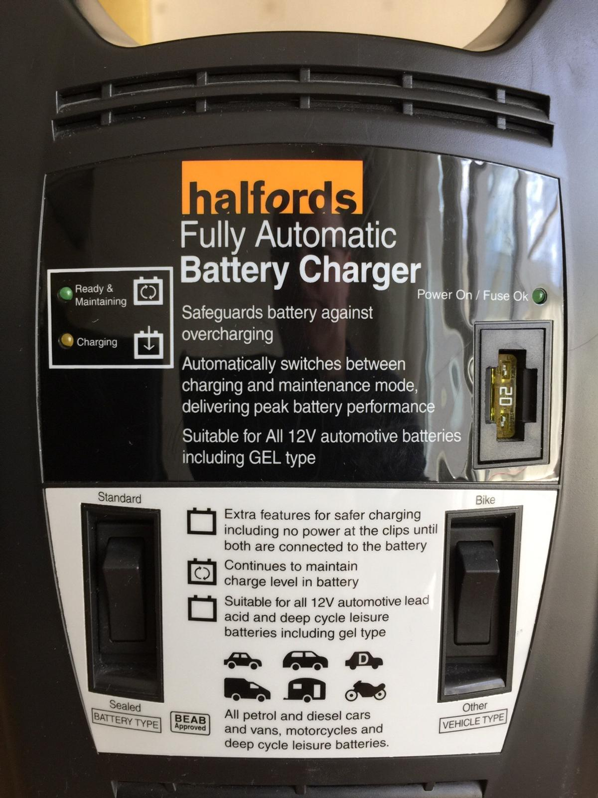 Halfords Fully Automatic Battery Charger In Charnwood For 15 00 For Sale Shpock