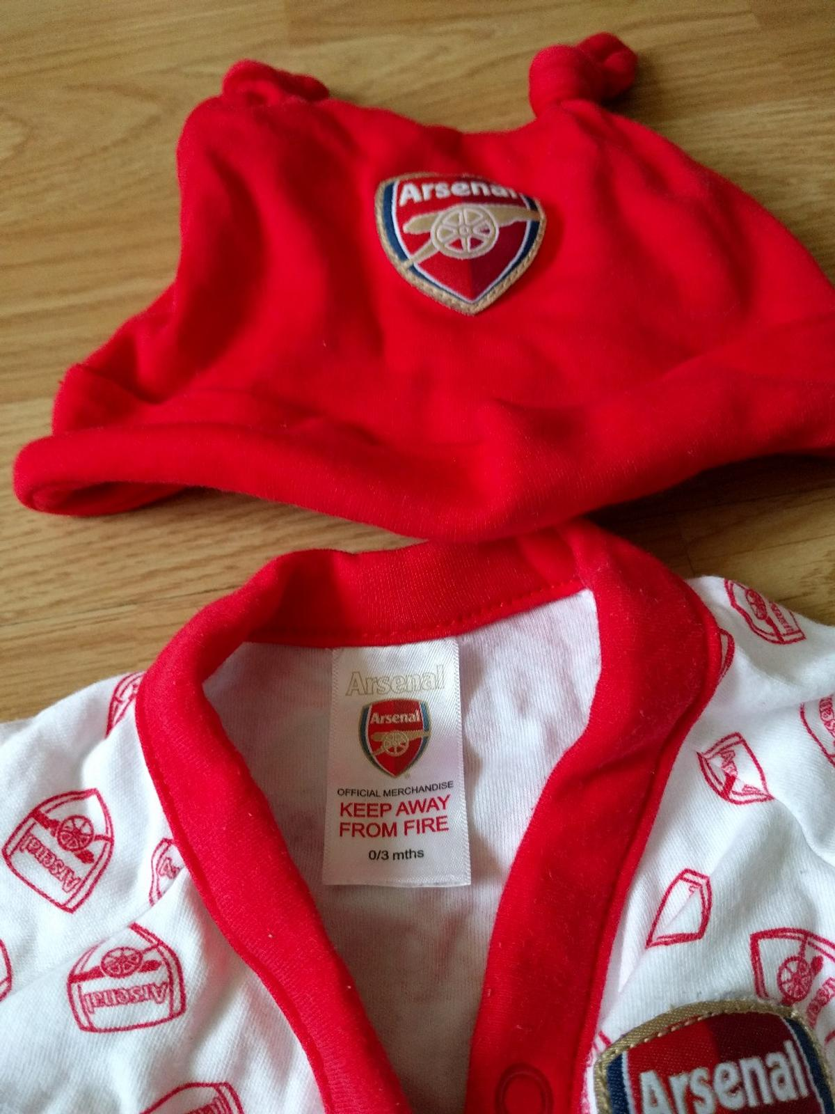 huge selection of bde0e dfe45 Newborn Arsenal Baby Grow, Vest & Hat