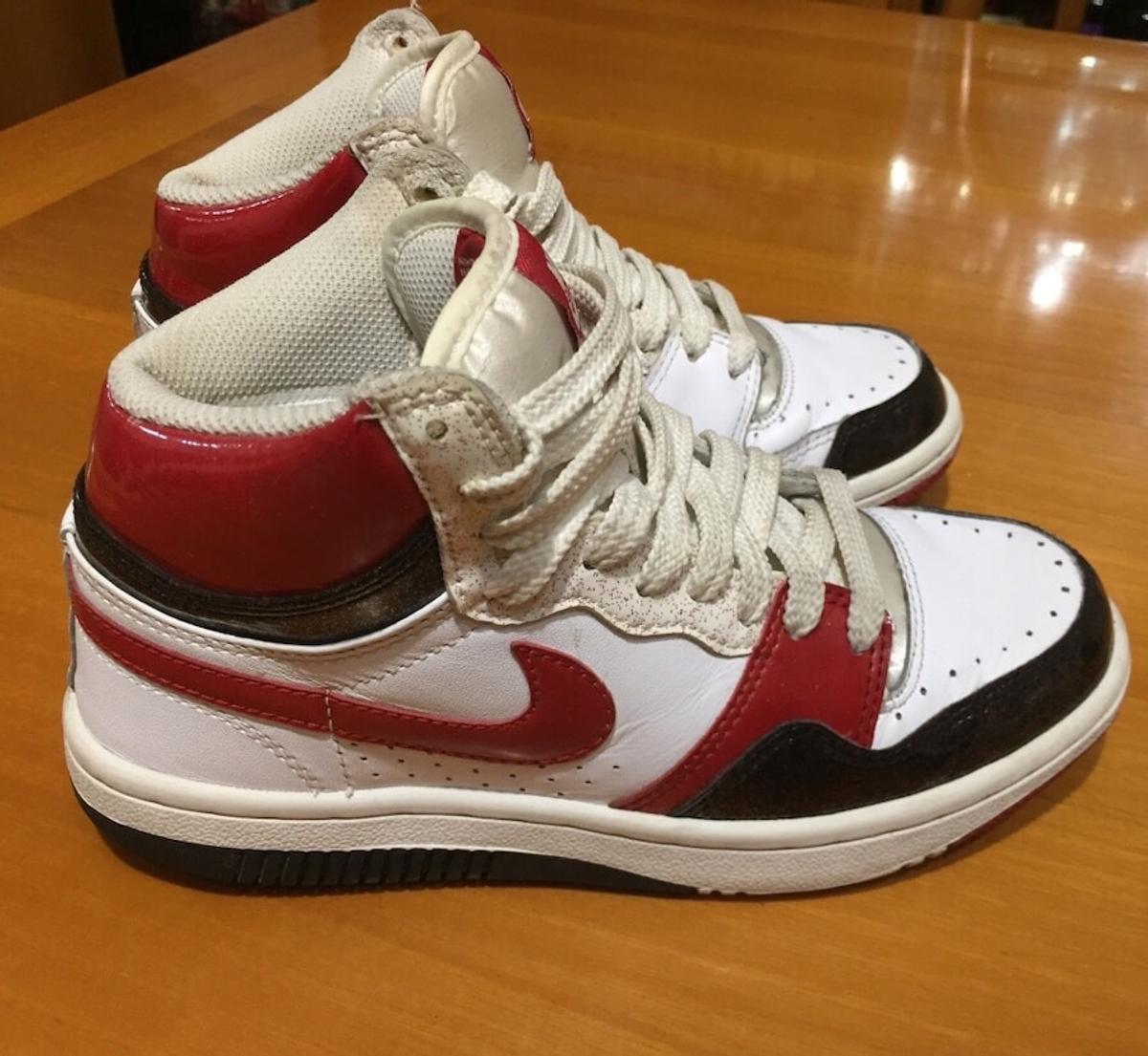 nike court royale baffo rosso