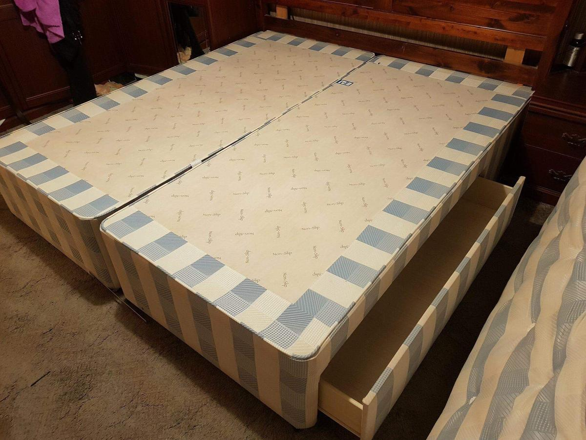 Picture of: Super King Size Divan Bed In Broad Blunsdon For 40 00 For Sale Shpock