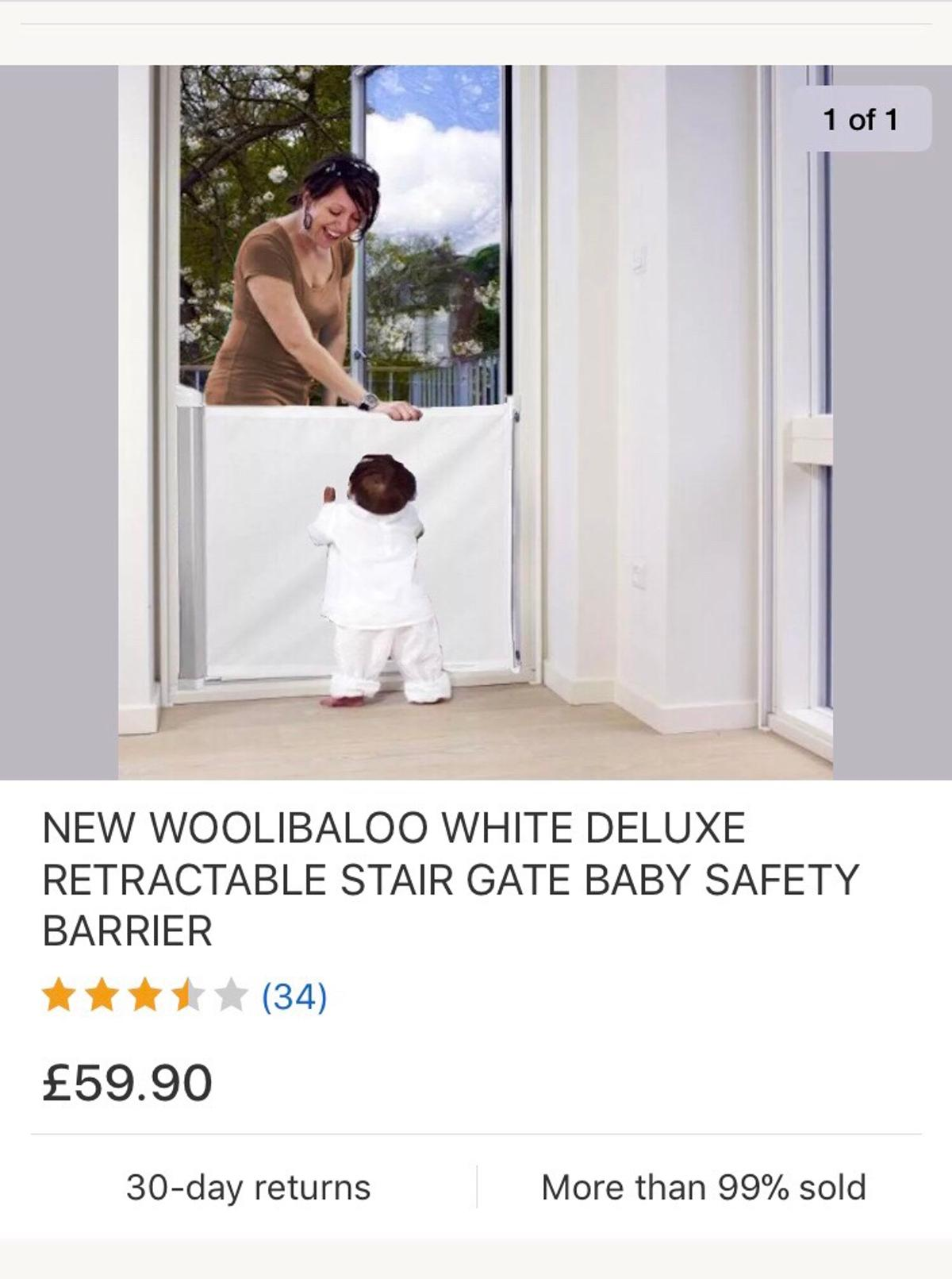 Baby retractable stair gate