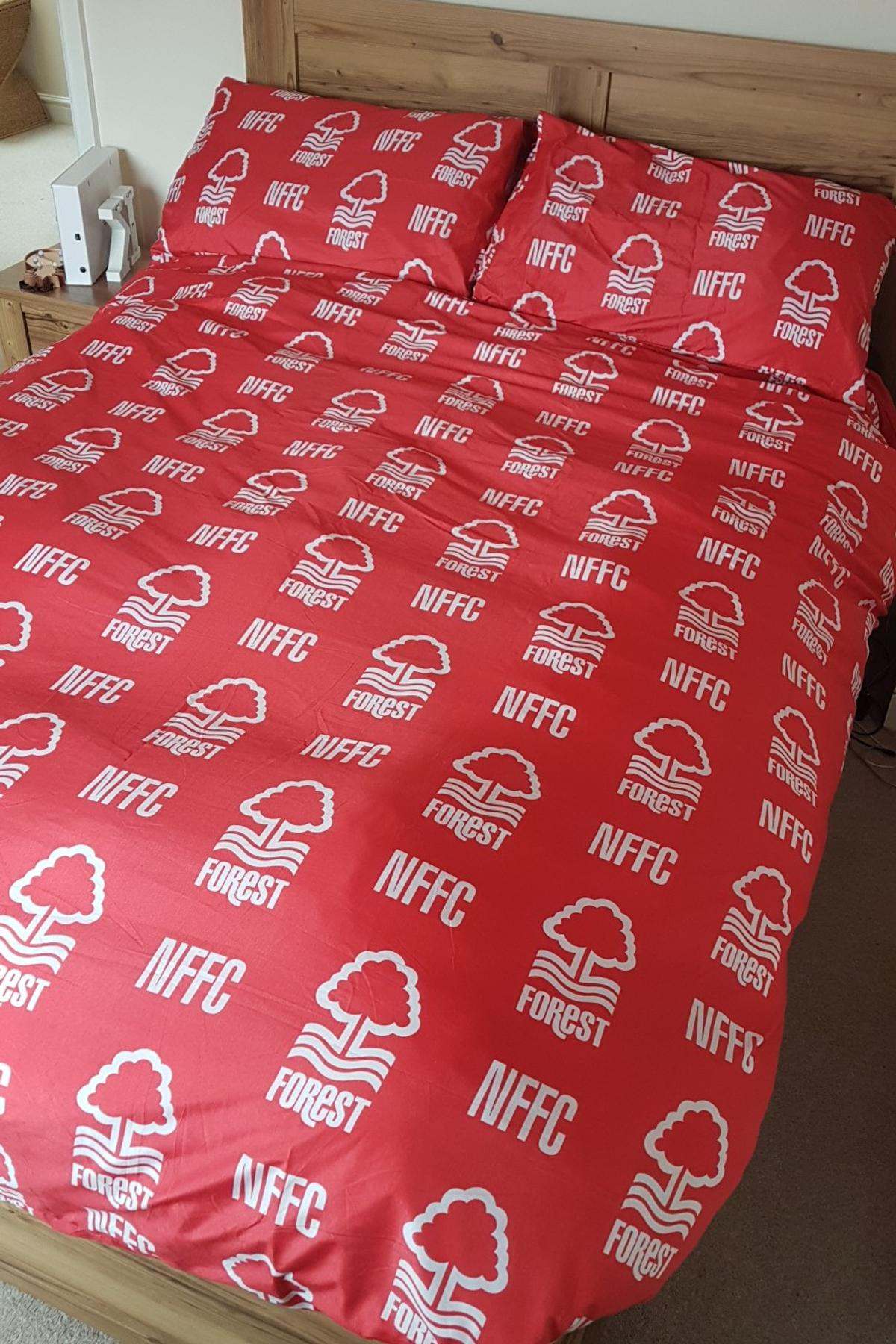 Nffc Double Duvet And 4 Pillow Cases In