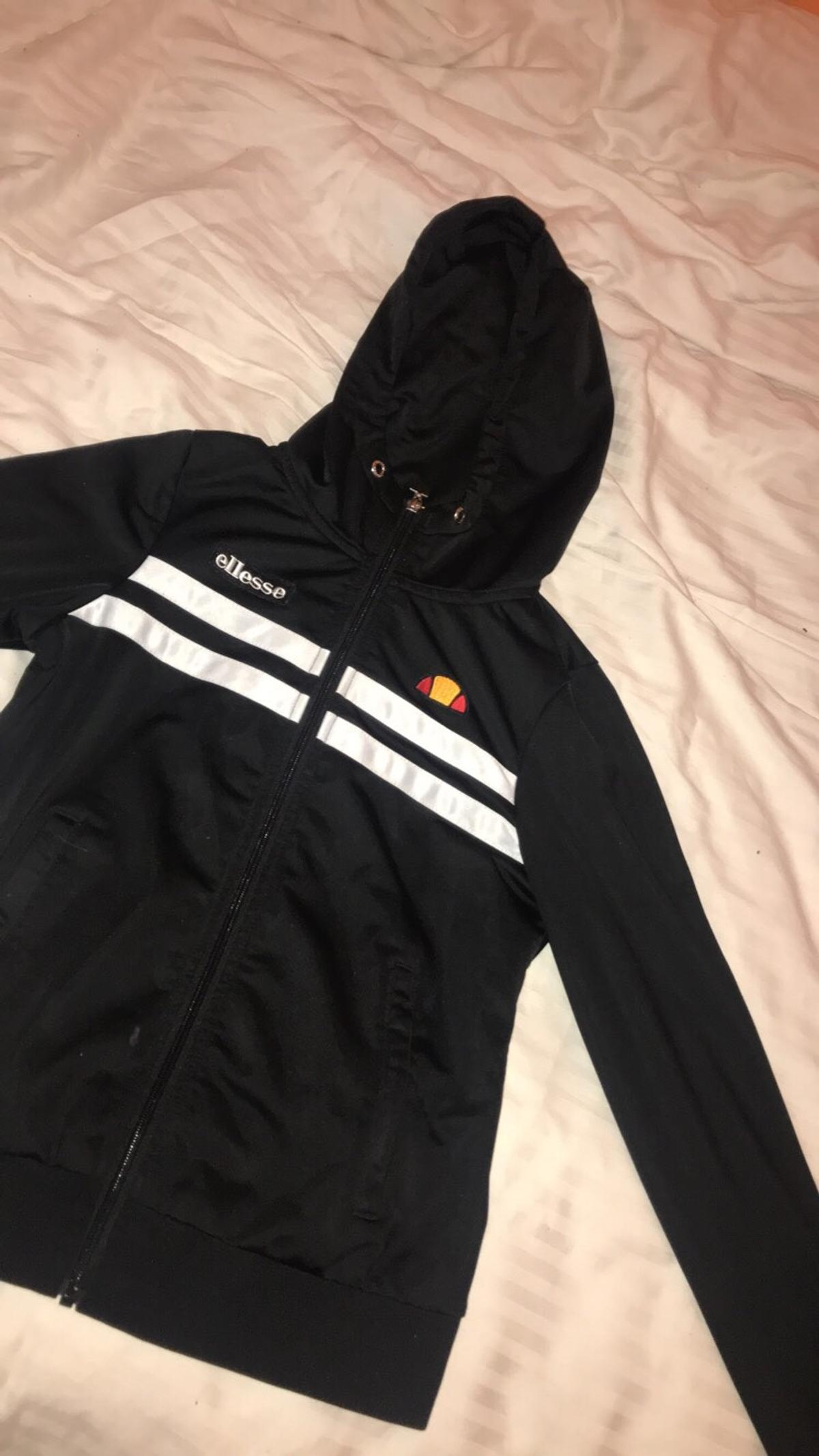 3eb645c3e9 Ellesse Zip Up Hoodie in GU46 Hart for £10.00 for sale - Shpock