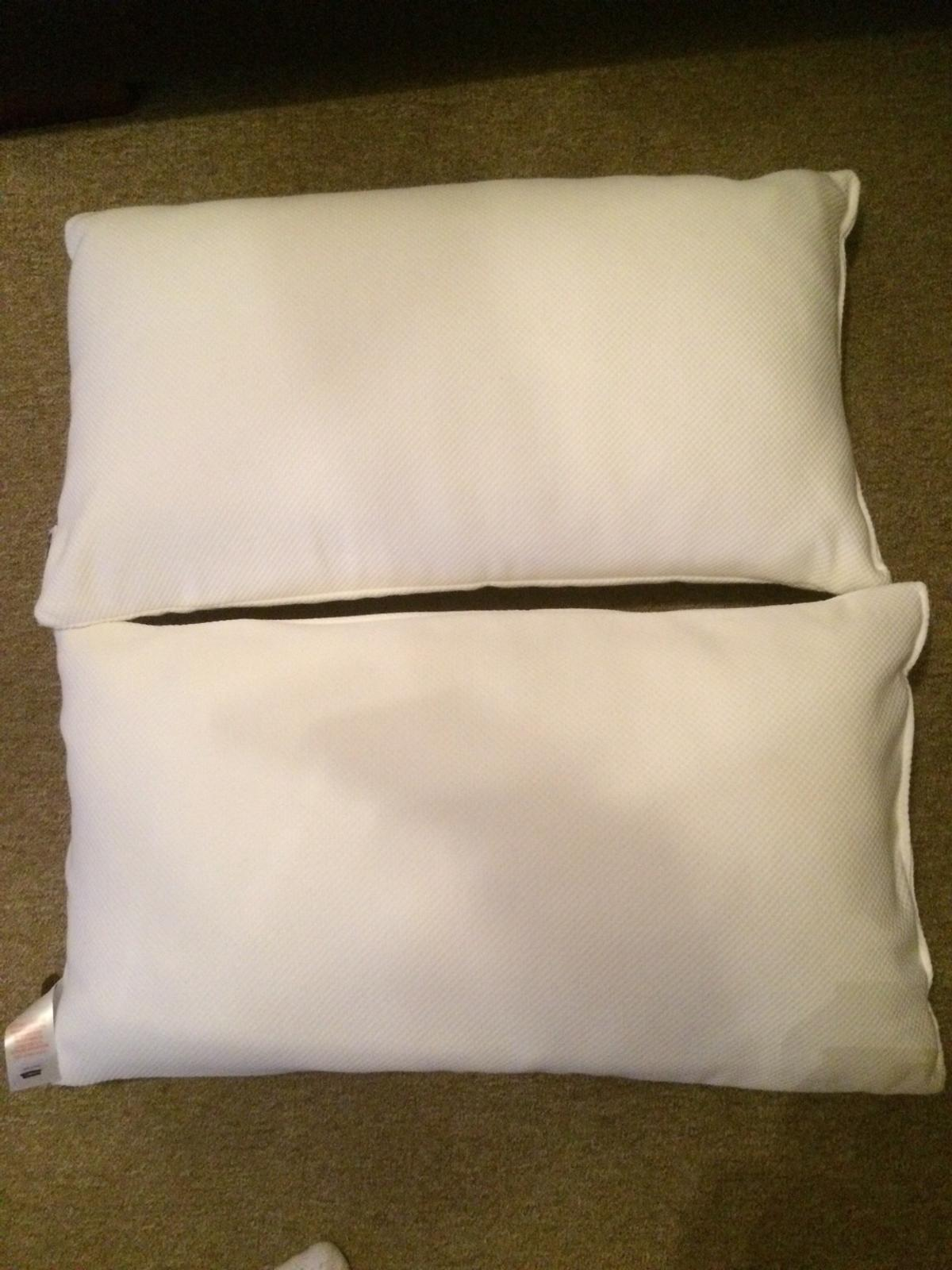 memory foam pillows & pillow protectors