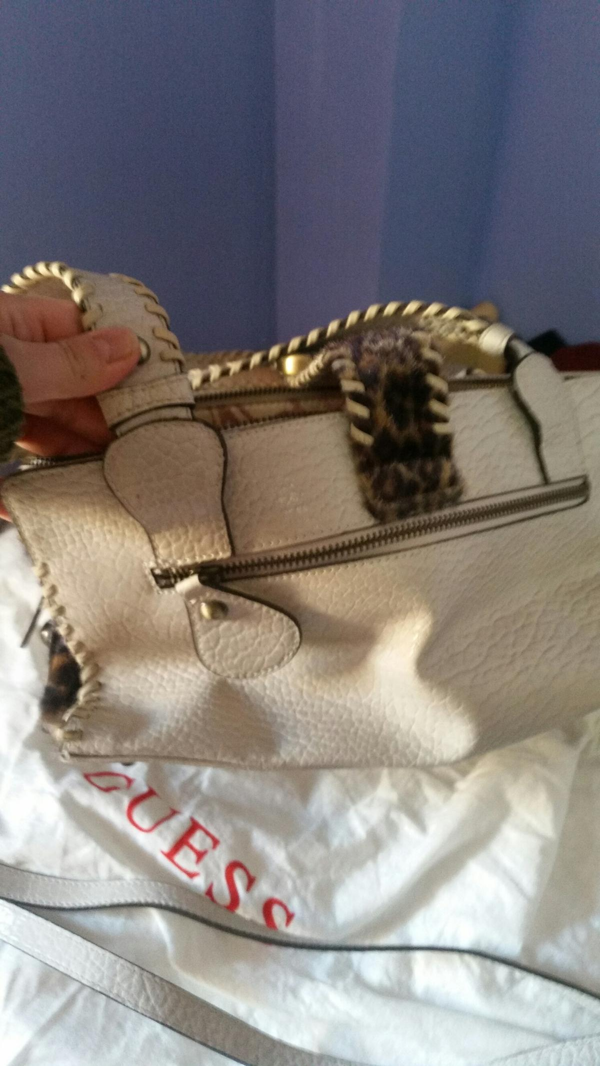 Borsa guess in 00143 Roma for €30.00 for sale Shpock