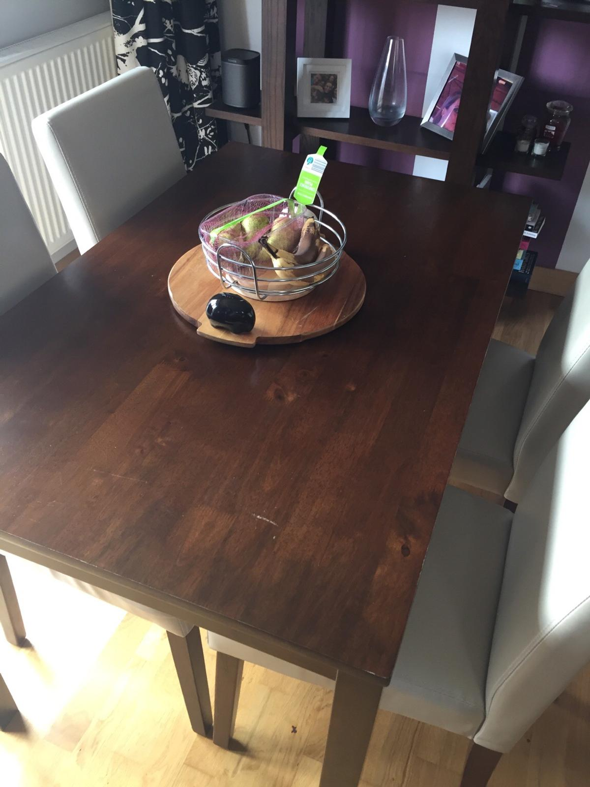 Dining Room Table And Six Chairs In Ss0 Sea For 180 00 For Sale Shpock
