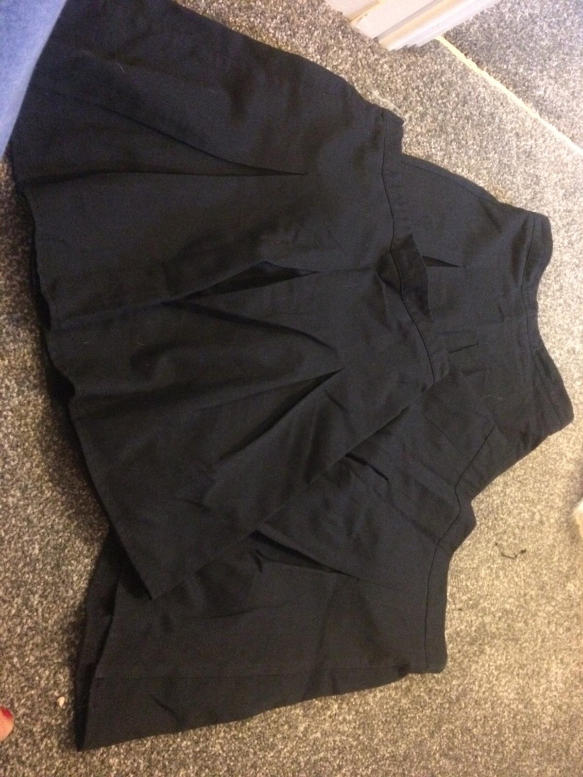 95c0561cfb Girls navy school skirts age 6 to 7 in Wakefield for £3.00 for sale ...