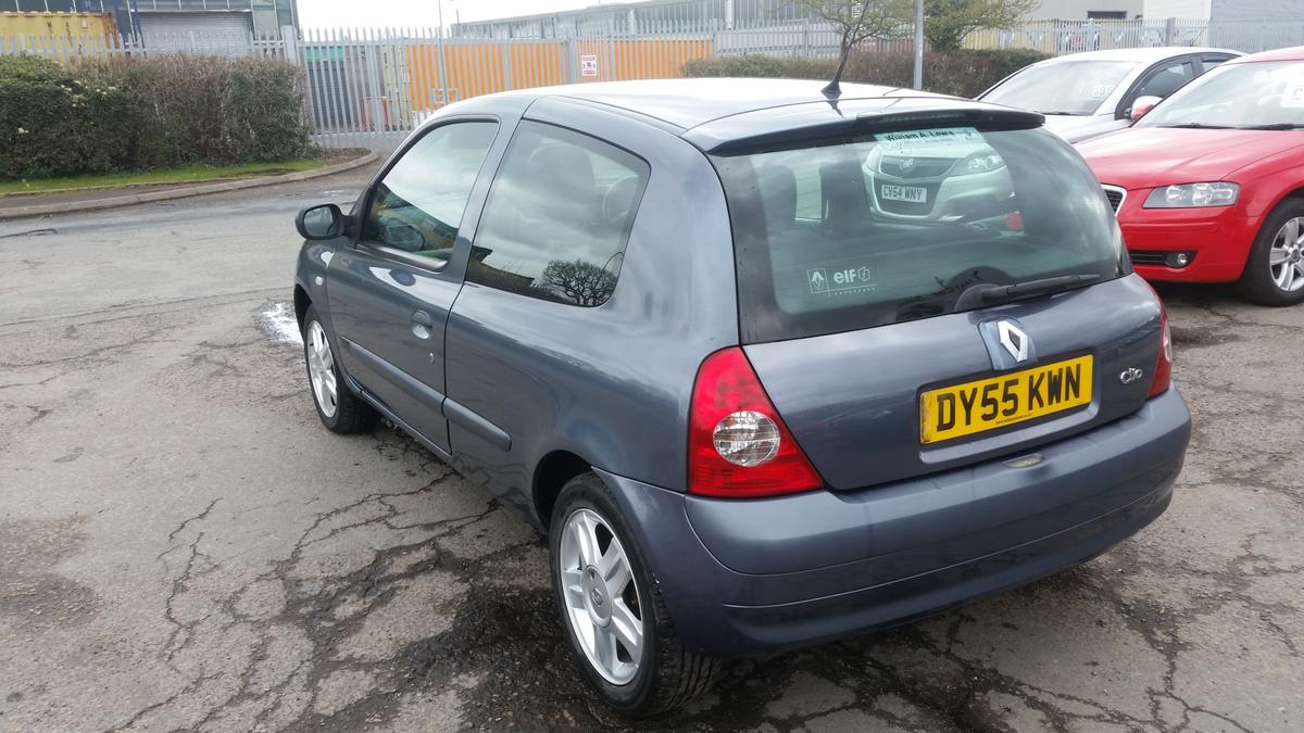 55 reg) Renault Clio 1 2 16v Extreme in Telford for £595 00 for sale