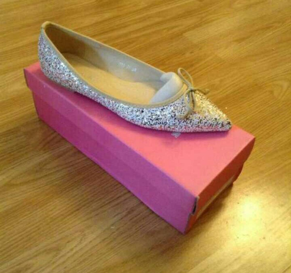 8fc9fe8fc575 Ladies sparkly flat shoes in LS17 Leeds for £4.00 for sale - Shpock