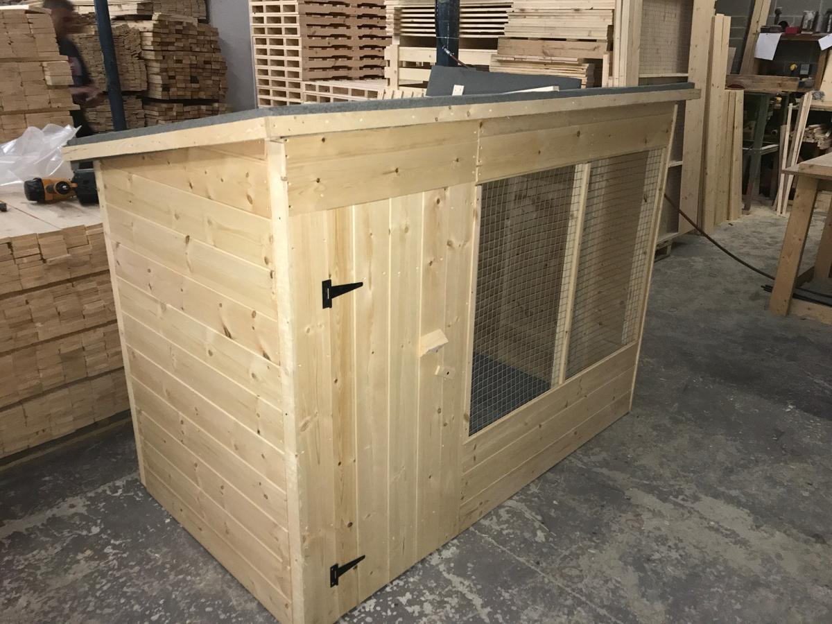 6ft Wooden Dog Kennel And Run In Wf13 Kirklees For 220 00