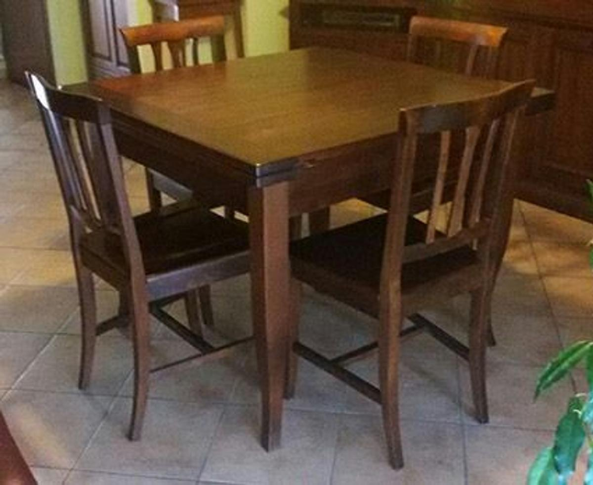 Tavolo Con Sedie In Legno.Tavolo Con 4 Sedie In Legno In 20017 Rho For 120 00 For Sale Shpock