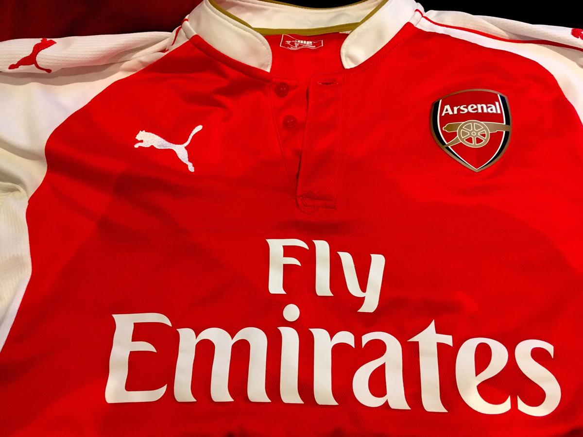reputable site 0b66d 4d6bb Official Arsenal jersey (2015-2016)