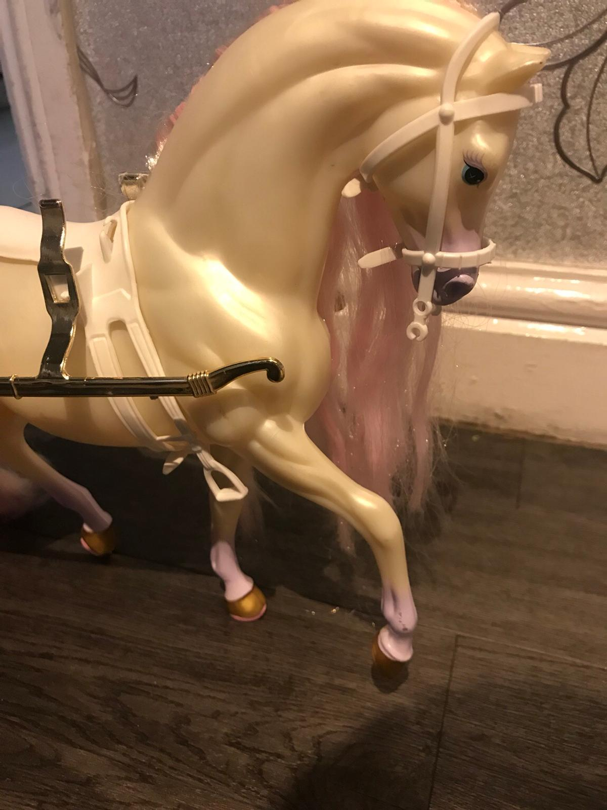 Vintage Barbie Fairytale Horse Carriage In B44 Birmingham For 20 00 For Sale Shpock