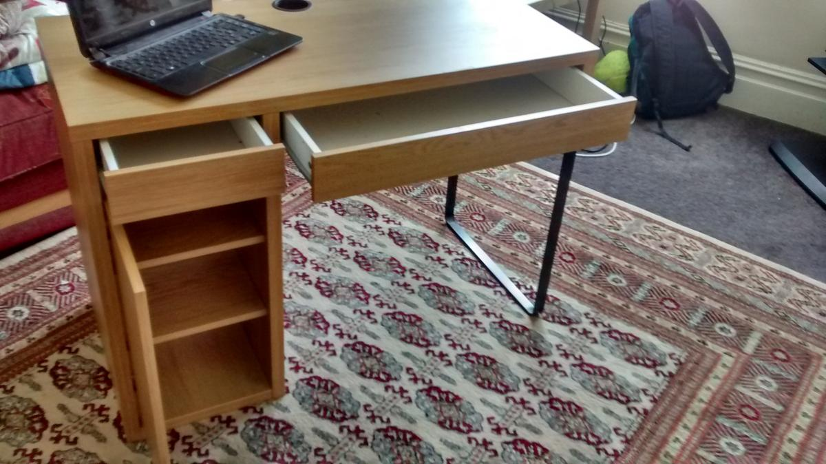 - IKEA Desk MICKE OAK Colour 105x50 Cm In N3 Barnet Für 40,00 £ Zum