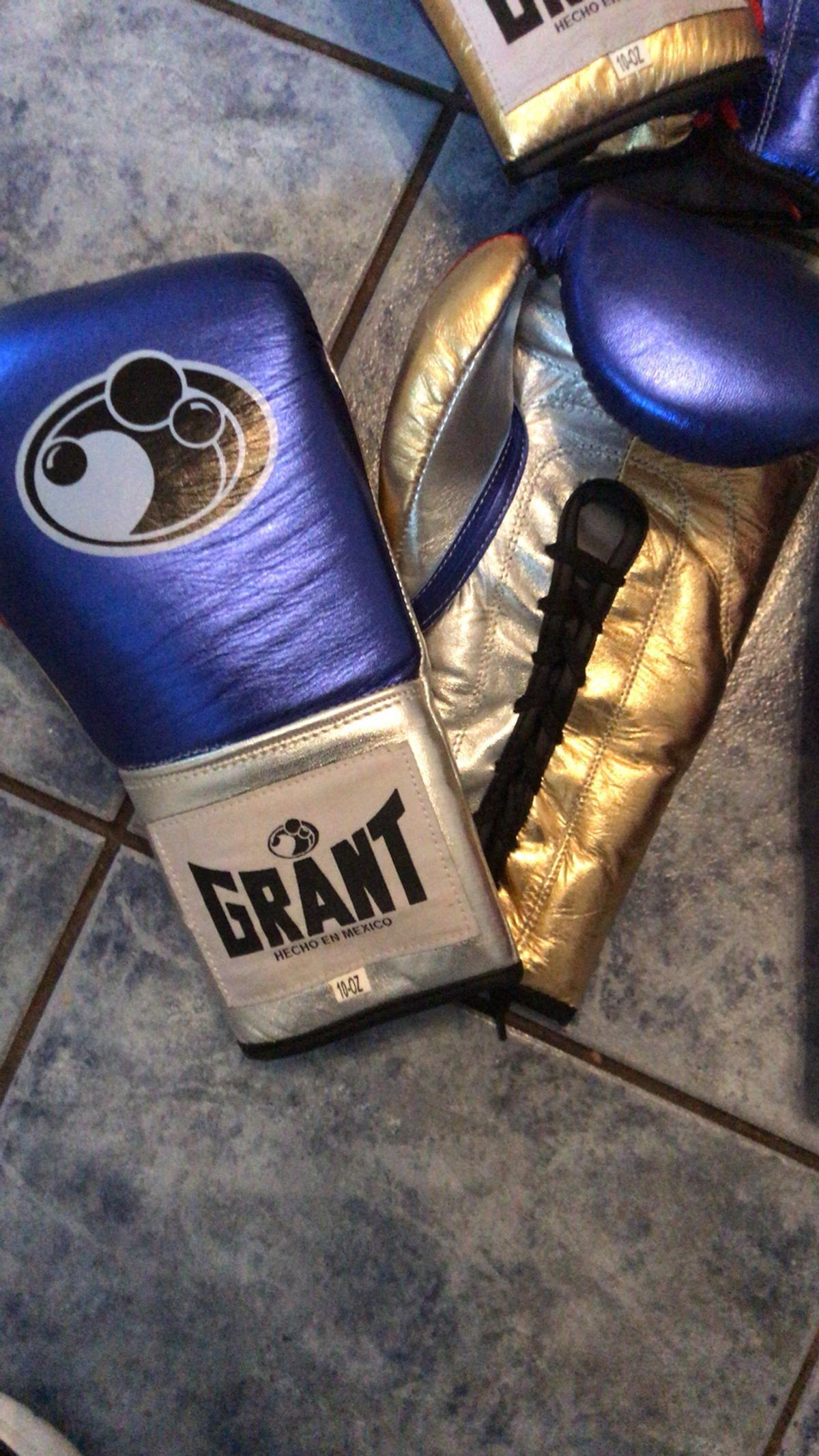 Grant replica boxing gloves in S80 Bassetlaw for £40 00 for