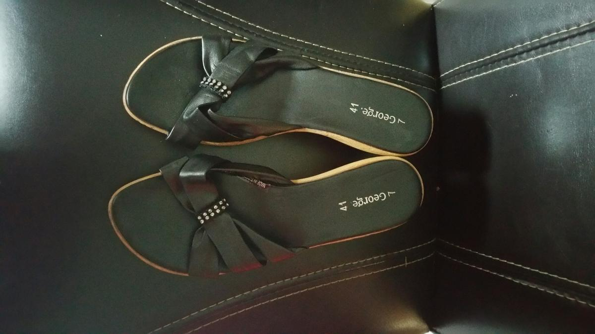 f069940789 Ladies sandals in B36 Solihull for £3.00 for sale - Shpock