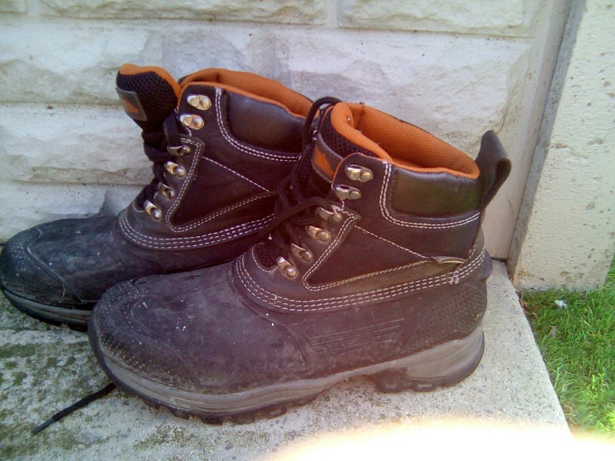 e5e2aa64b29 Hyena work boots in B26 Birmingham for £7.00 for sale - Shpock