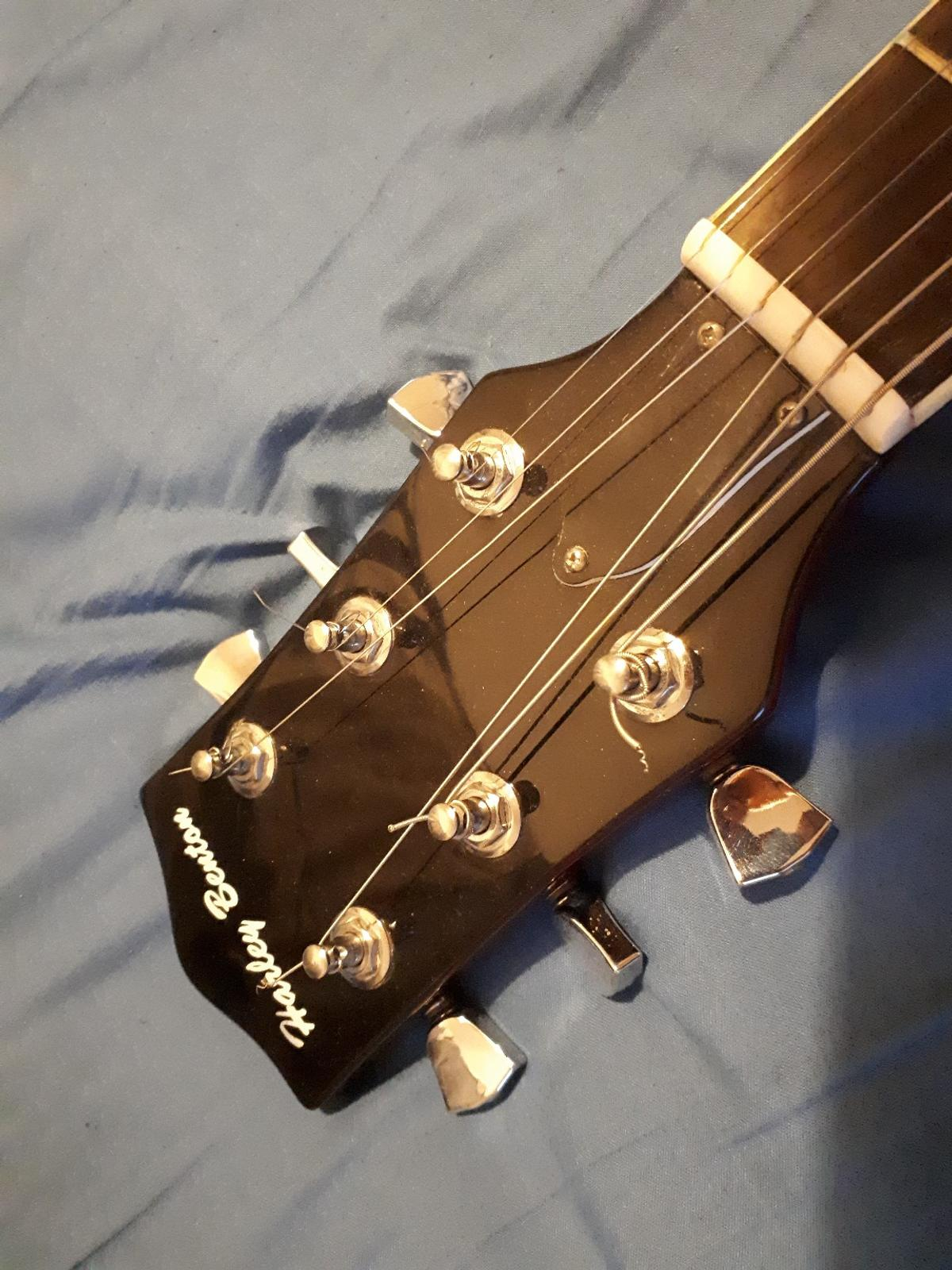 Electric guitar Harley Benton in N22 London for £79 00 for sale - Shpock