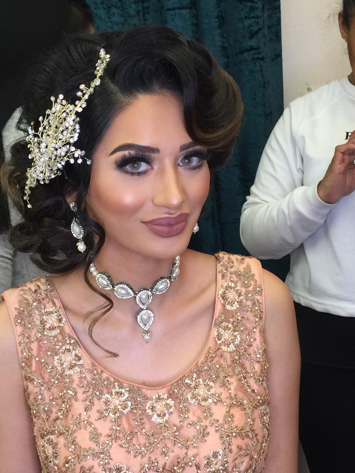 bridal party makeup artist hairstylist in ig11 dagenham für