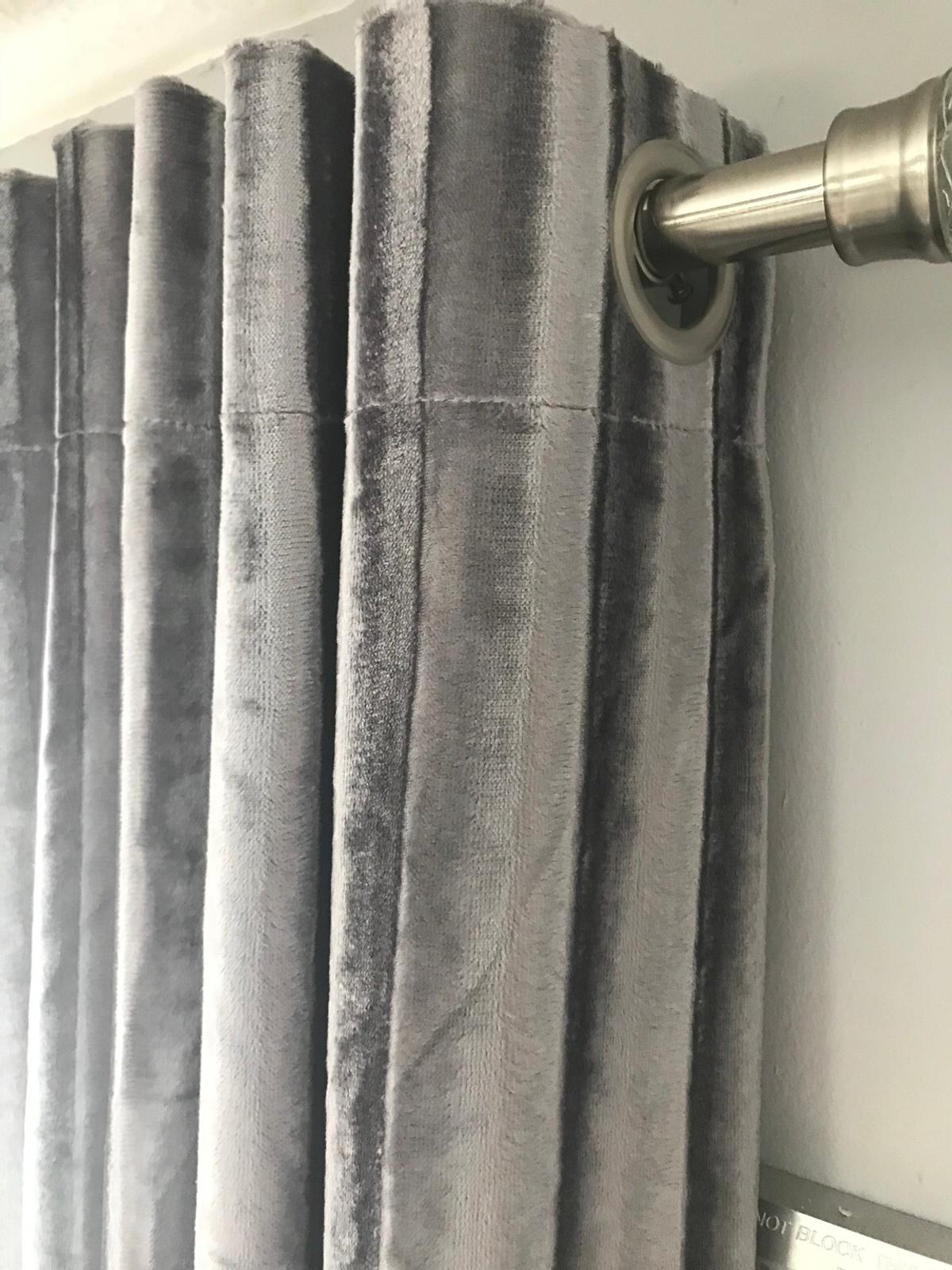 Kylie Minogue Curtains As New 90x90