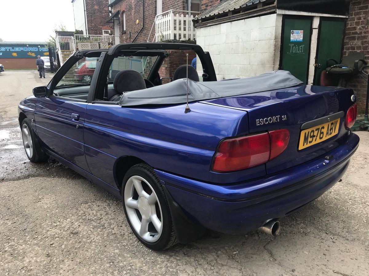 Ford Escort 1 8 Si Cabriolet In Wf10 Wakefield For 1 500 00 For Sale Shpock