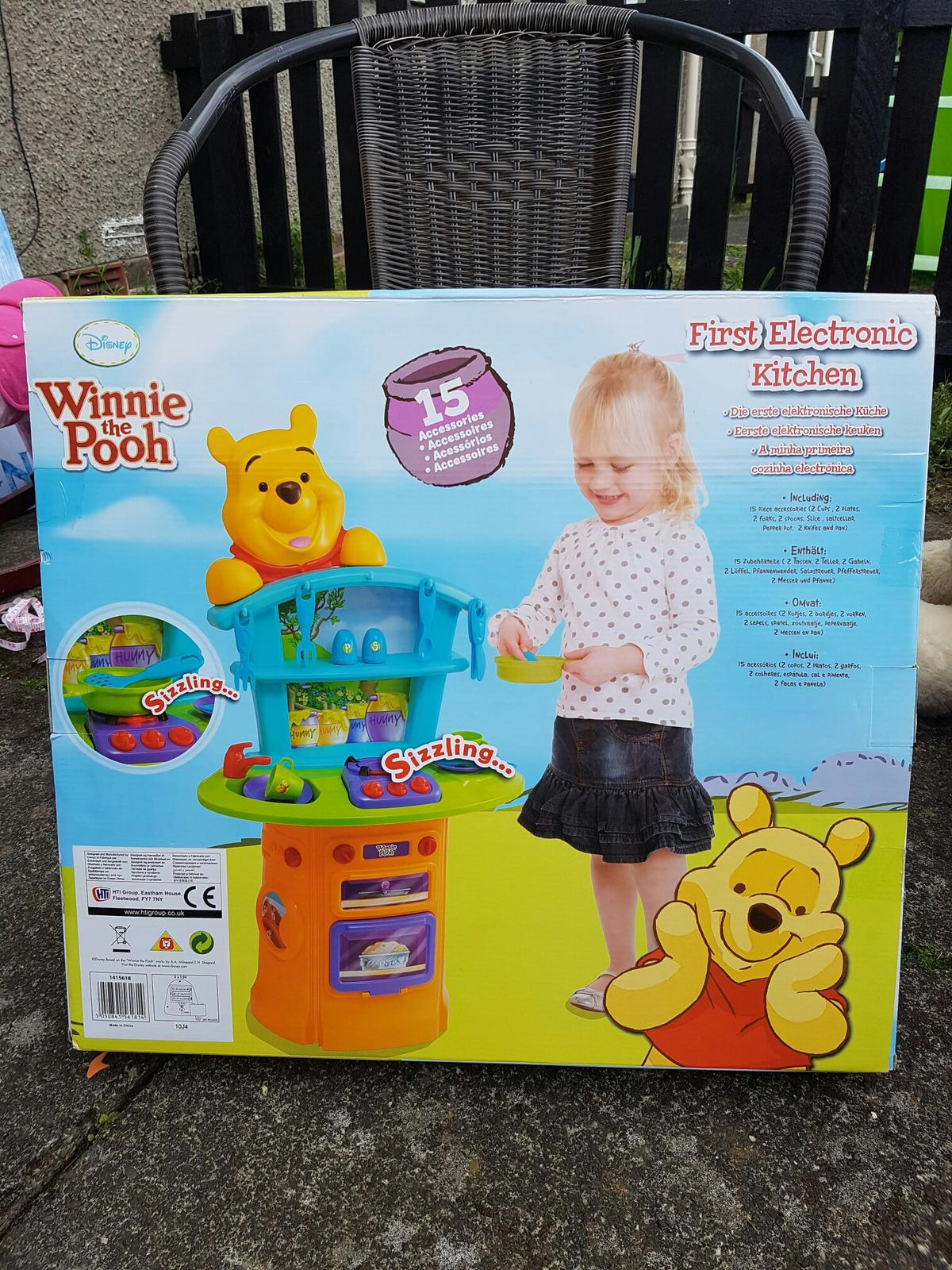 Winnie The Pooh Kitchen Set In Ml2 Coltness For 15 00 For Sale Shpock