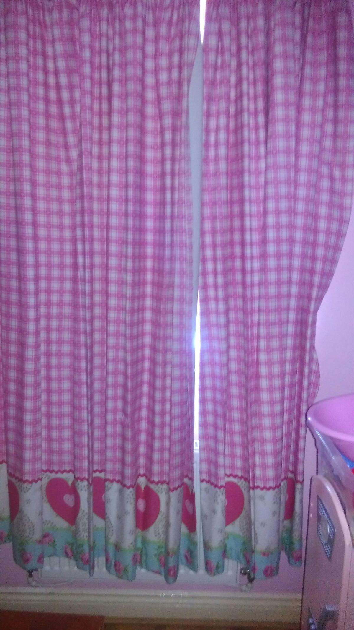 Mothercare Girls Bedroom Curtains in PE28 Huntingdonshire für 10,00 ...