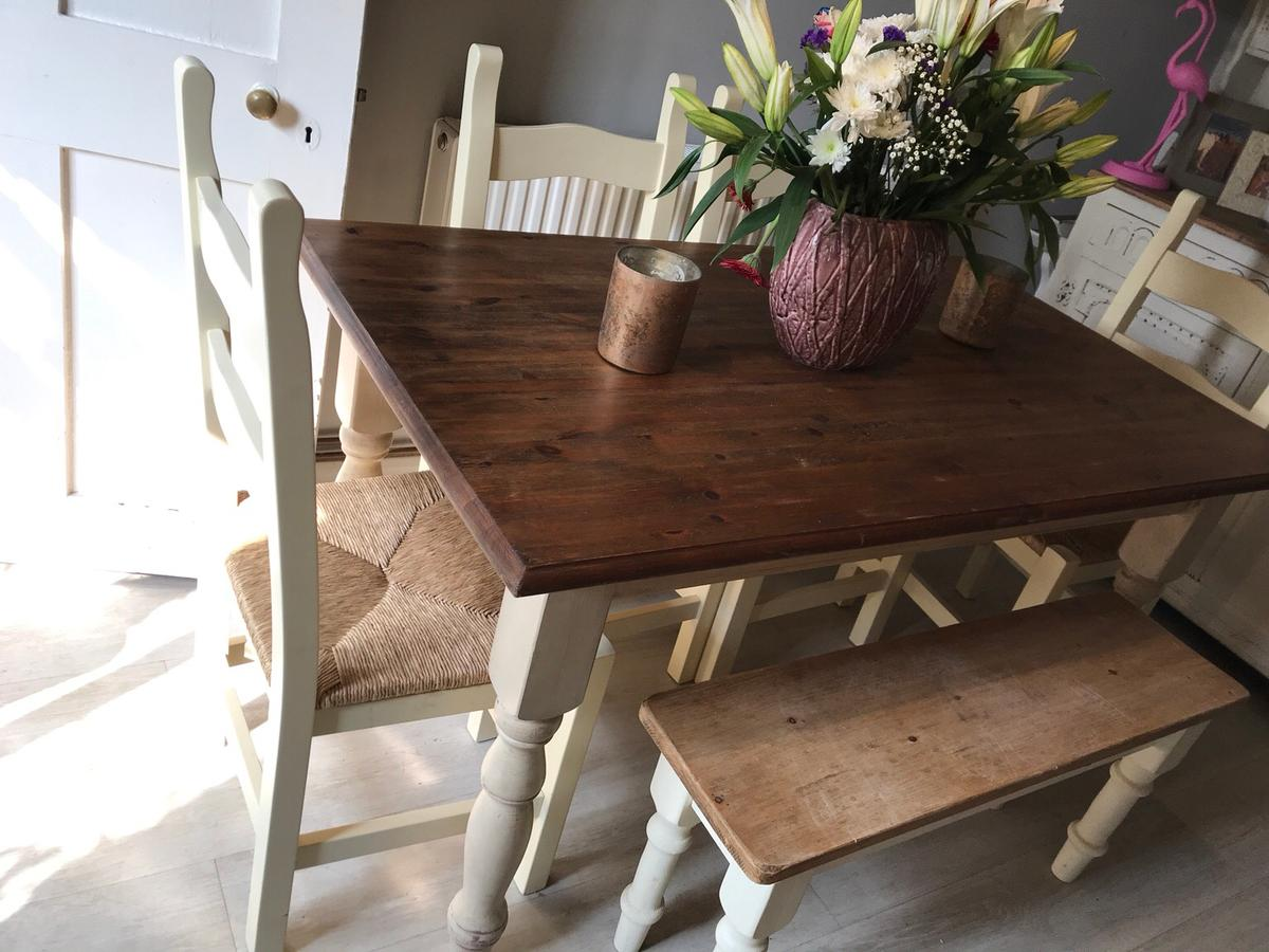 Shabby Chic Dining Table And 4 Chairs Bench In Mk18 Vale Fur 295 00 Zum Verkauf Shpock At