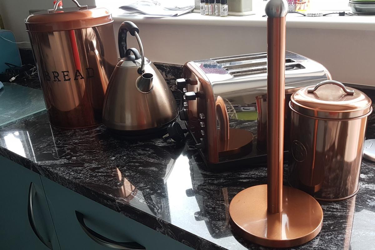 Copper Kitchen Items Kettle Toaster Etc In Ws11 Cannock