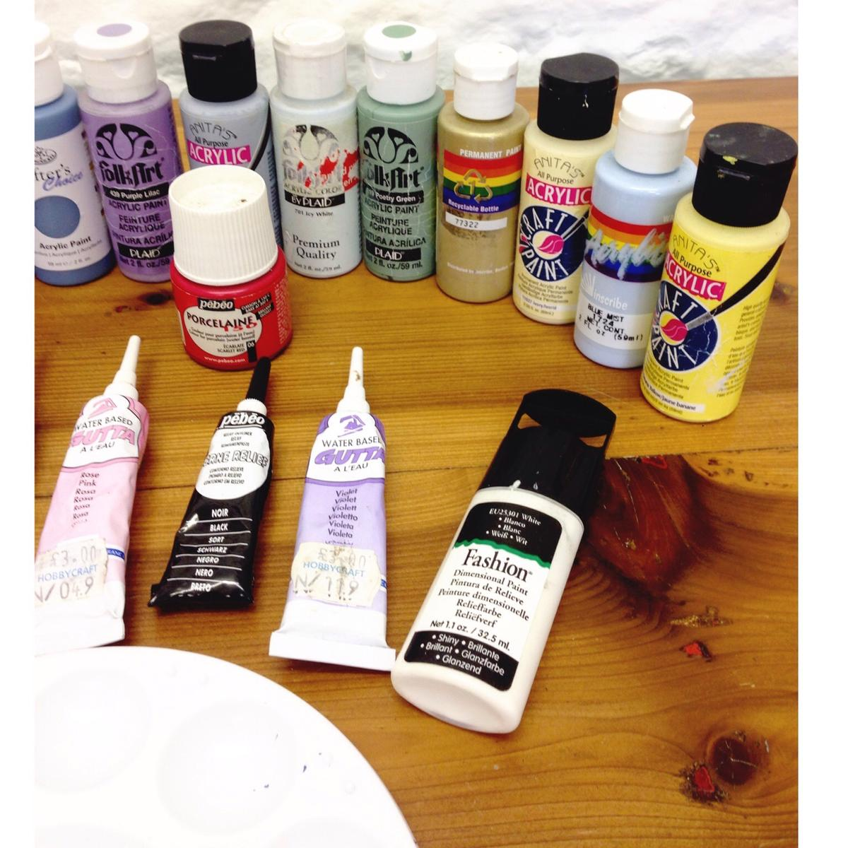 Assorted Craft Acrylic Paints In Nn16 Kettering For 5 00