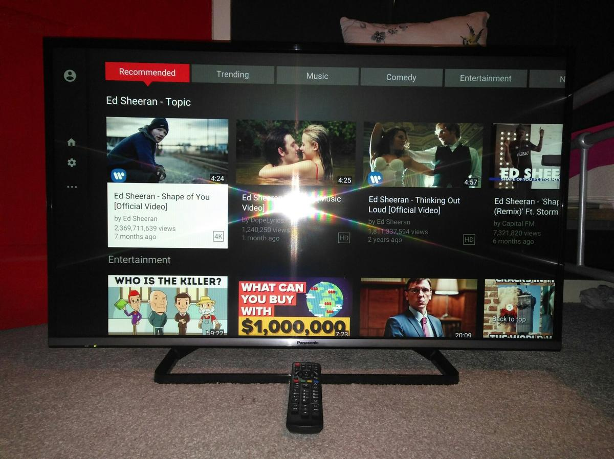 Panasonic 42in LED Smart TV WiFi Apps FvieHD in WS10