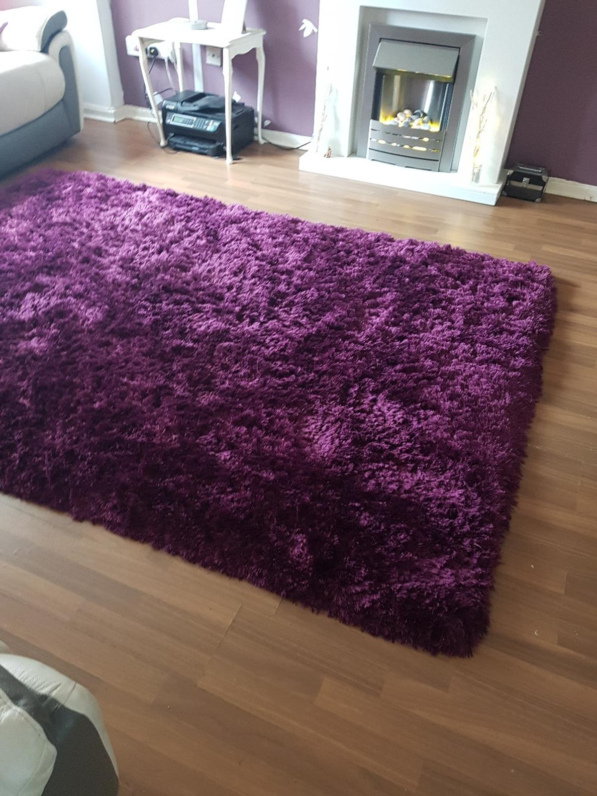 Large Luxury Shaggy Rug In Plum Colour