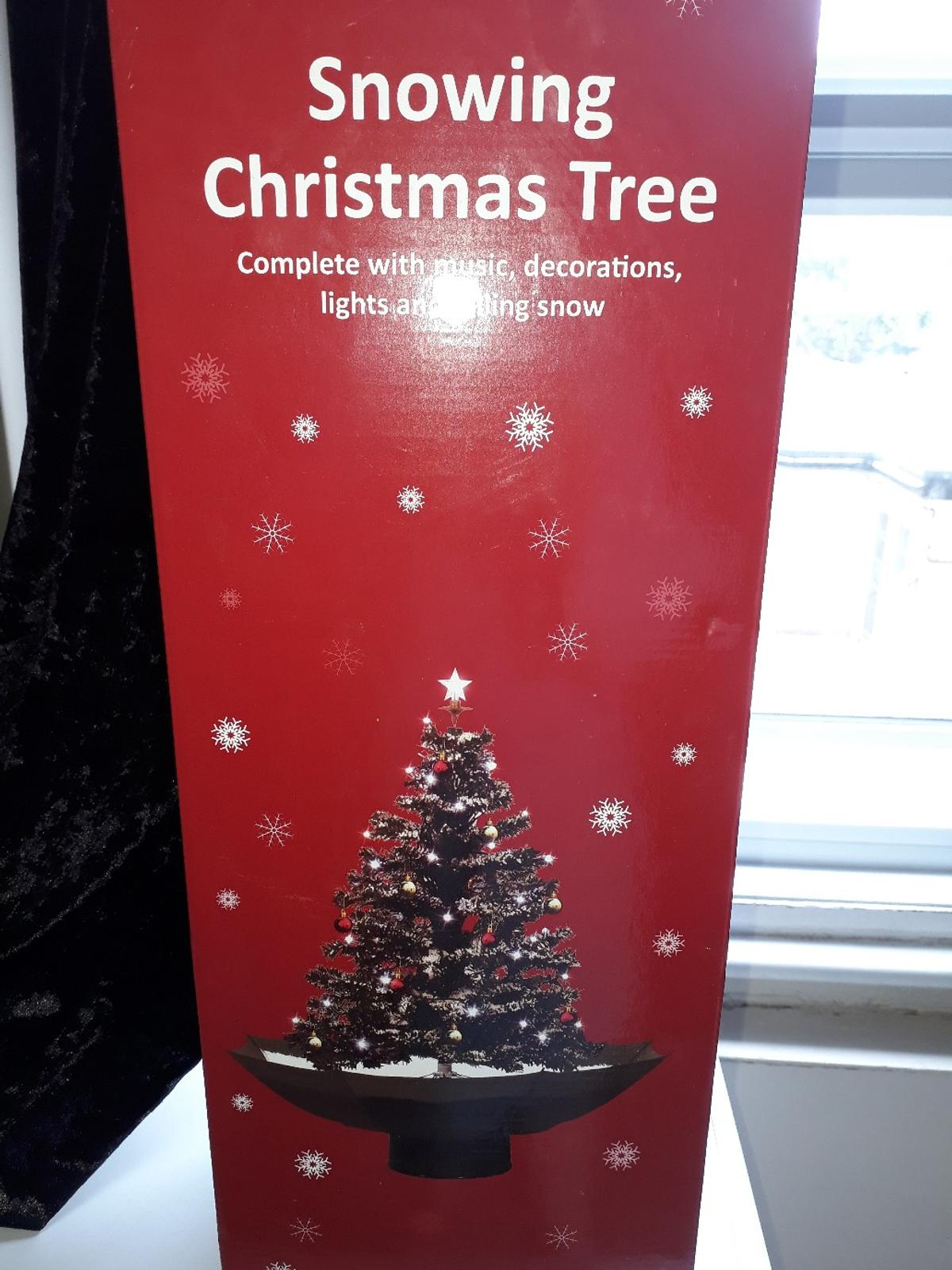 Snowing Christmas Lights.Snowing Christmas Tree In Tn39 Rother For 15 00 For Sale