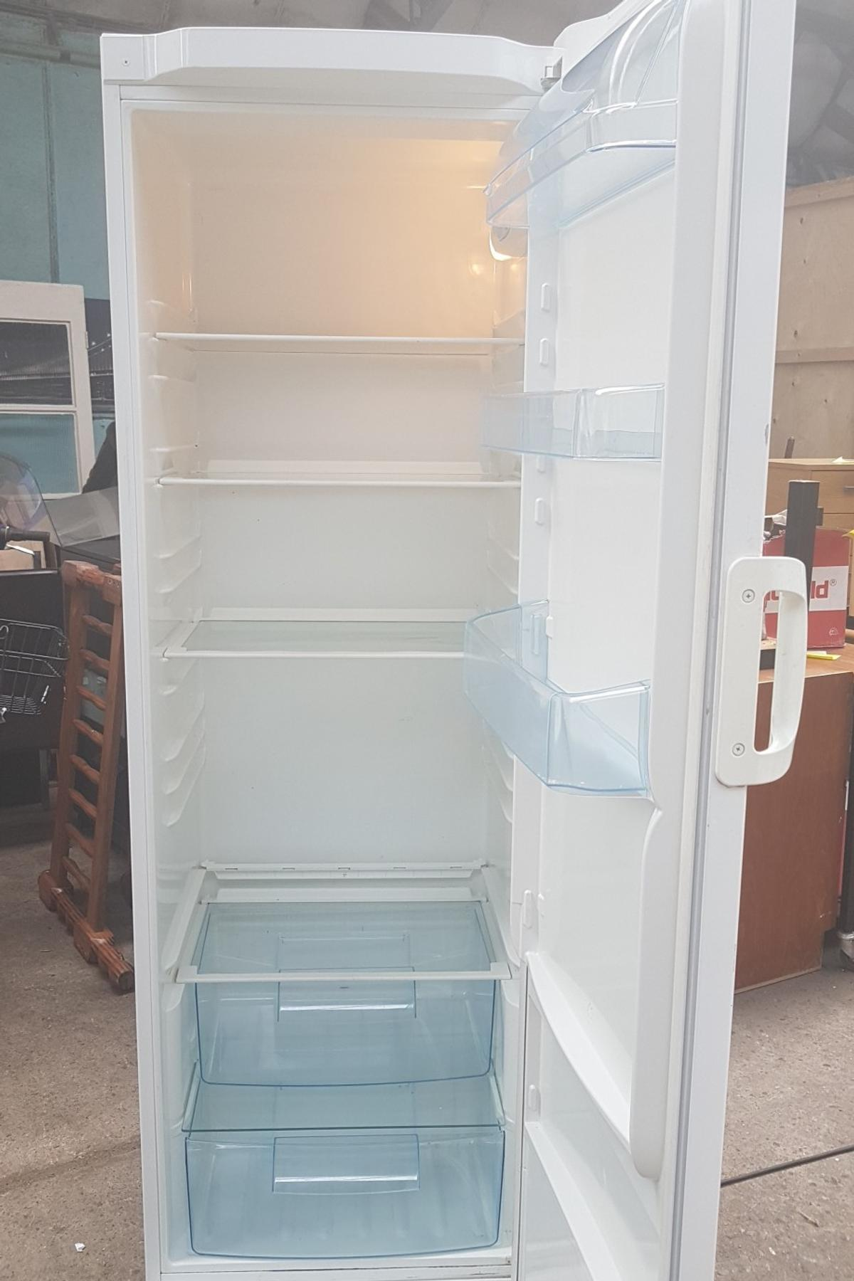 Inne rodzaje Electrolux intuition space plus large fridge in Walsall for £40.00 YS47
