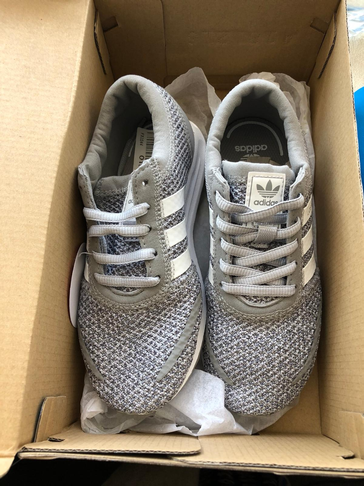 Adidas Los Angeles Kids Trainers AQ4427 in London Borough of