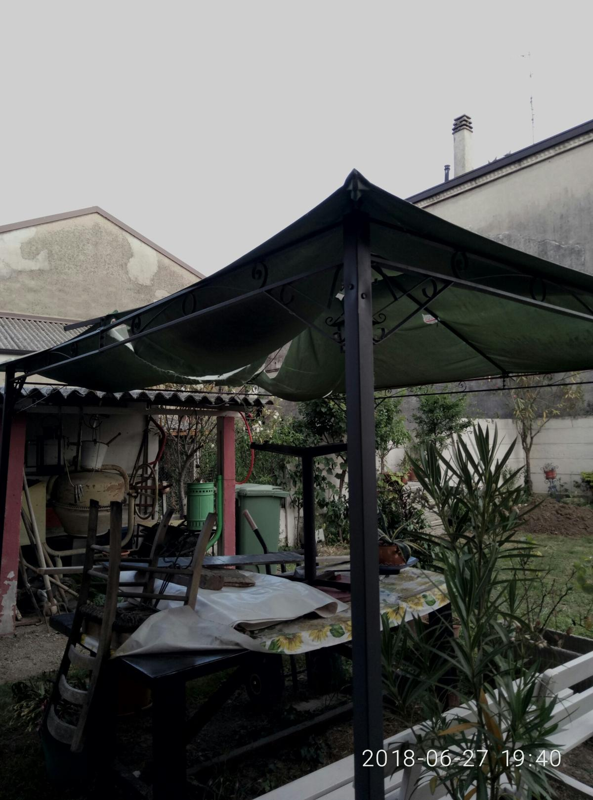 Vendo Gazebo In Ferro.Vendo Gazebo In Ferro Con Telo Rotto 3x3 In 20816 Ceriano Laghetto