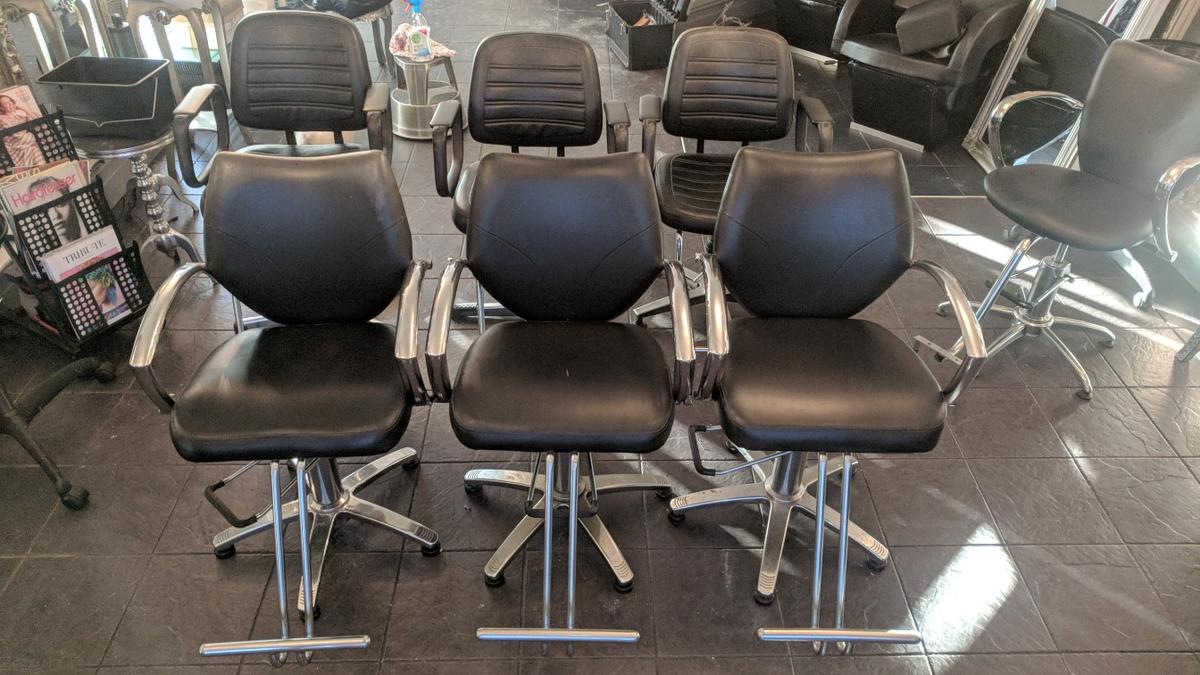 Used Salon Chairs >> Used Salon Chair Worn But Still Good